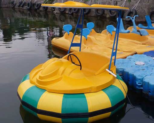 Adults battery operated bumper boats for sale with cheap price