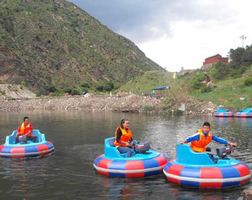 Quality adults bumper boats for sale from Beston Amusement