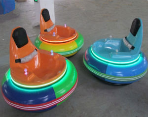 Spin zone inflatable bumper car rides